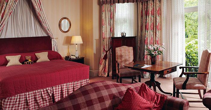 Cheval Park Residence, לובי מלון הדירות; סלון מרווח ויציאה למרפסת