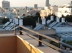 על גגות תל אביב (David Lisbona)