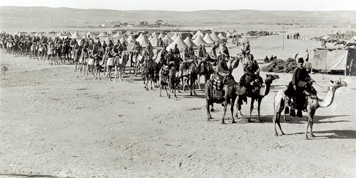 גדוד גמלים בריטי בבאר שבע לאחר כיבושה