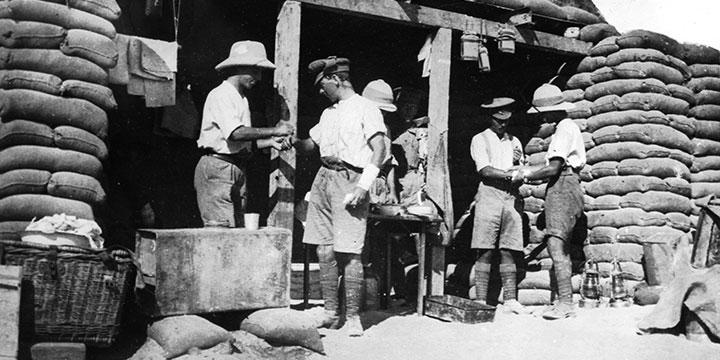 תחנת עזרה ראשונה בריטית בחפירות בסיני