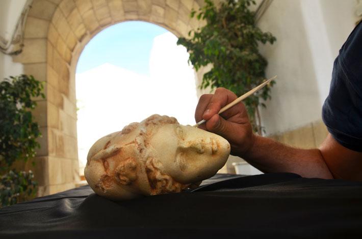 ראש הפסל (יולי שוורץ, באדיבות רשות העתיקות)